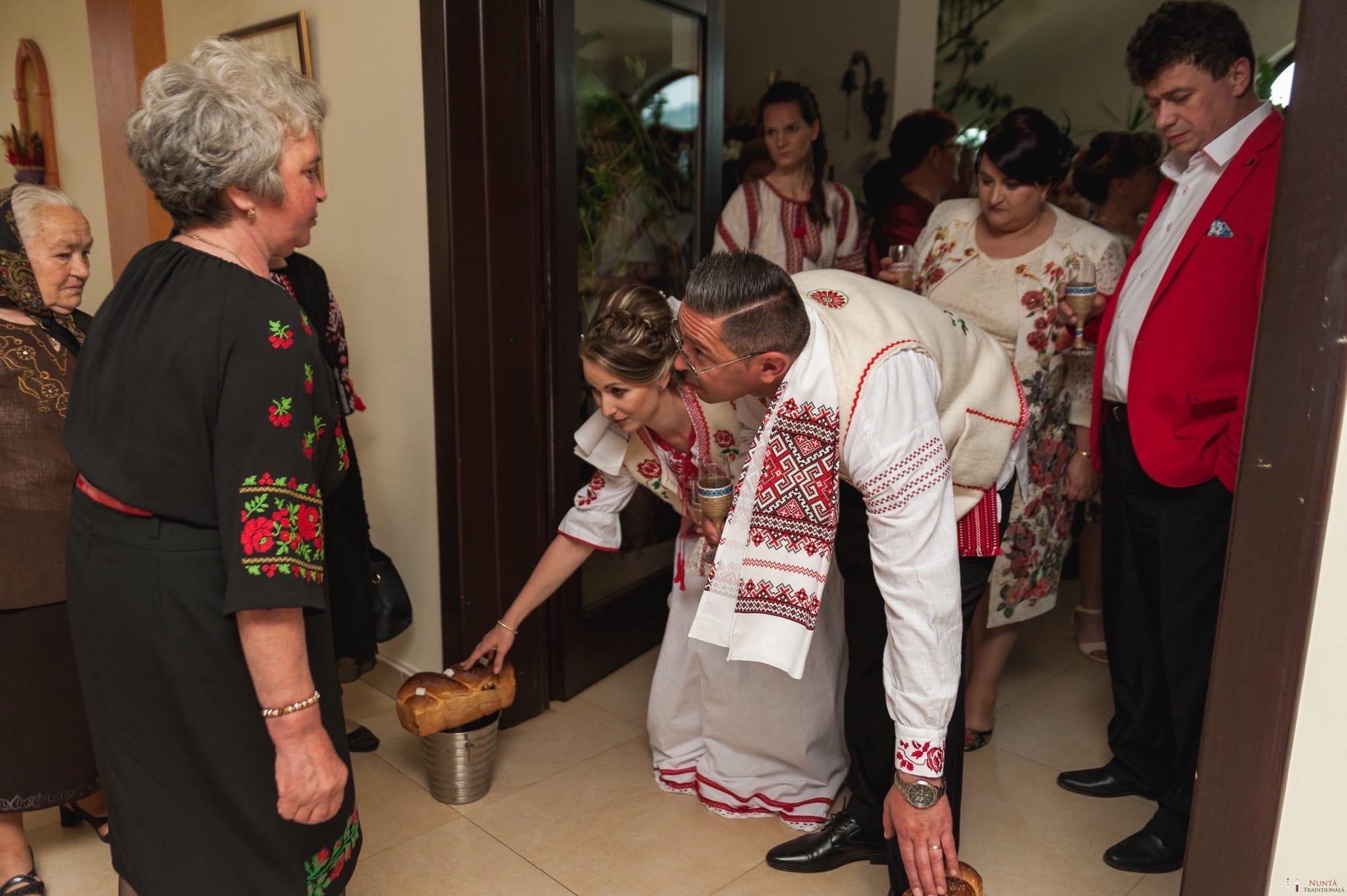 Povești Nunți Tradiționale - Anamaria și Ionuț-Mihai, nuntă în Târgu Ocna 22